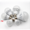 LED light bulb 7W Warm White
